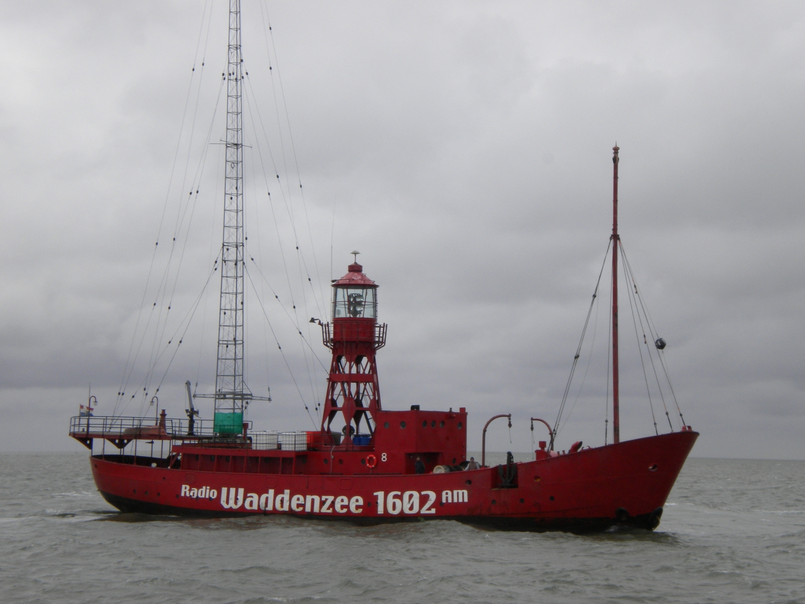 Red_ship_003_-WAD